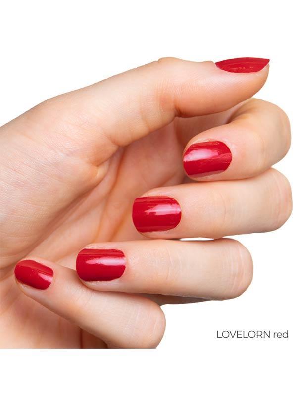 hand mit roten naegeln lovelorn 1
